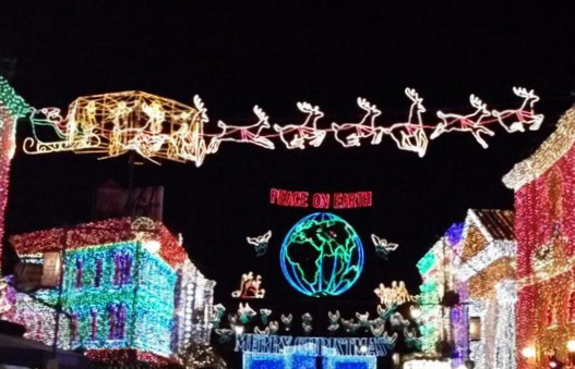 Osborne Family Spectacle of Dancing Lights. Photo via @according2kelly.